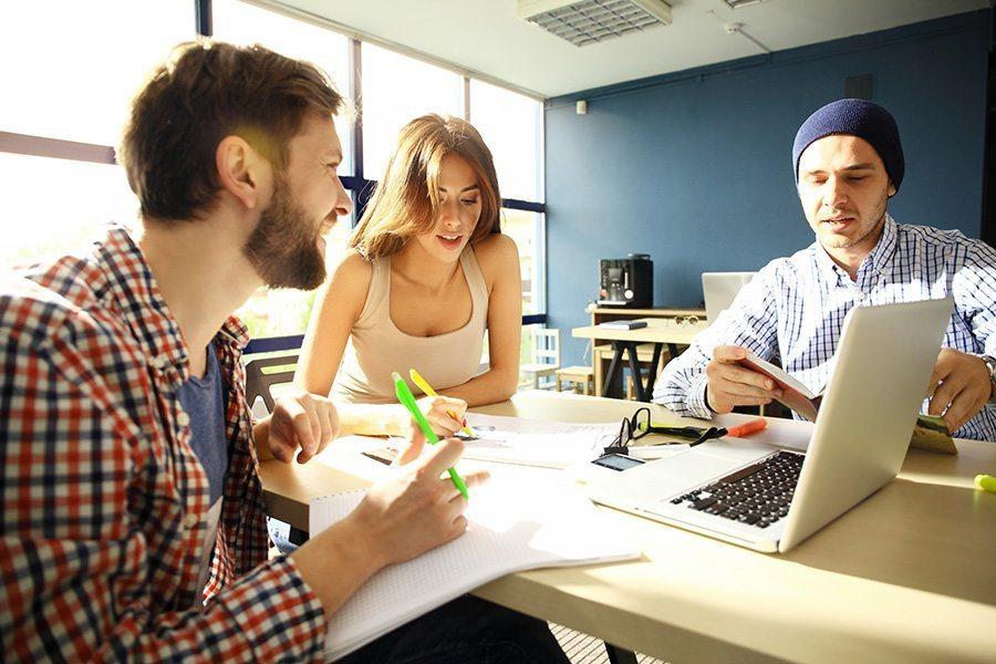 Espaces coworking : lieu de travail pour travailleurs indépendants… Mais plus encore !